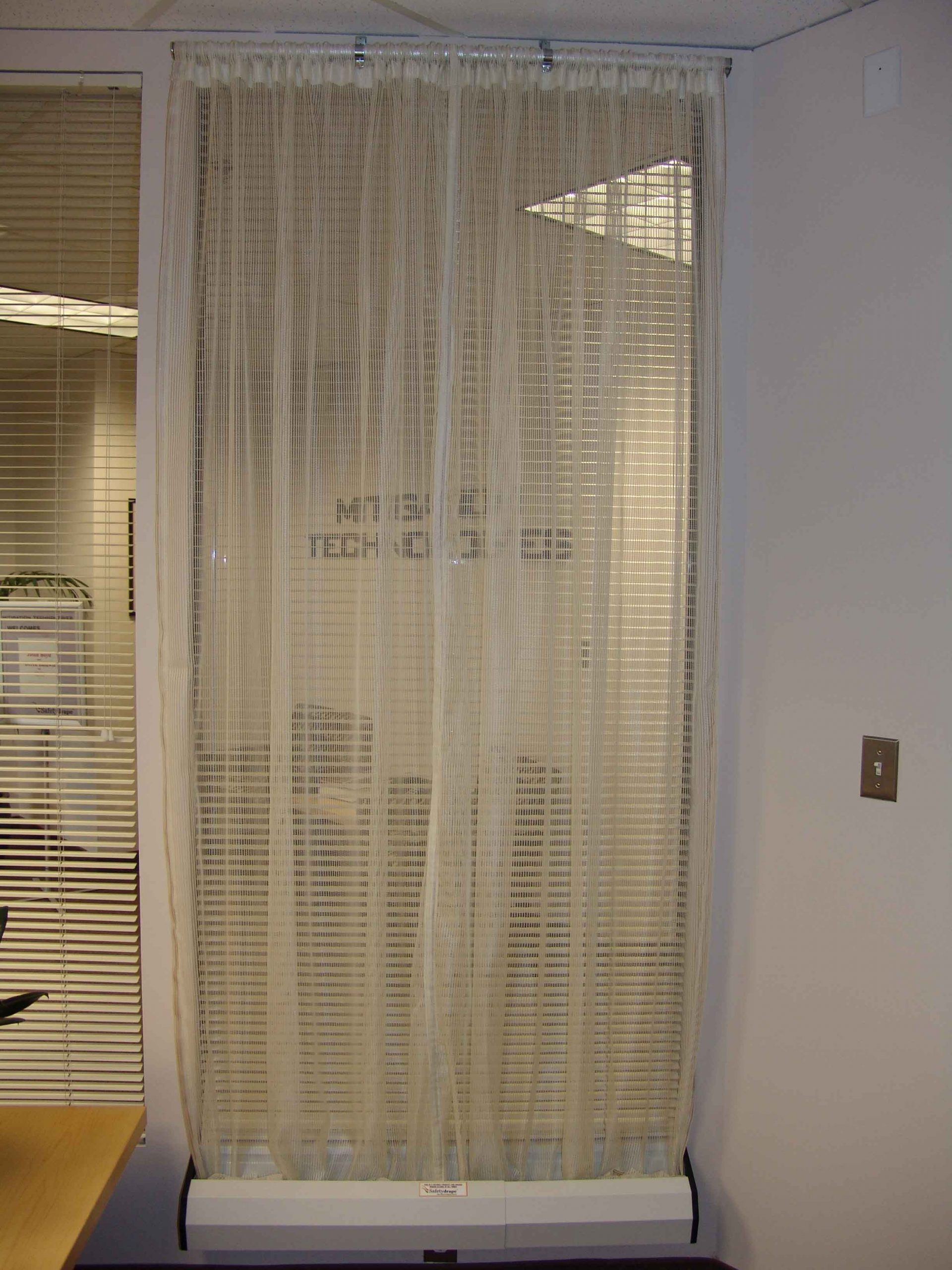 SAFETYDRAPE® Interior Office - Winter White